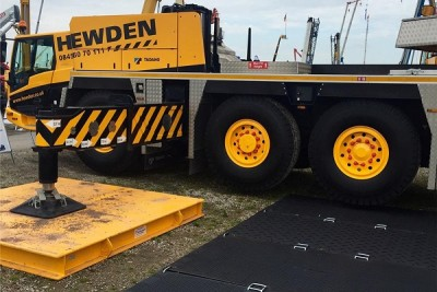 MutiTrack-under-a-220t-Hewden-Crane