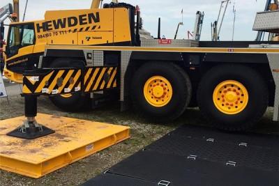 MutiTrack-under-a-220t-Hewden-Crane