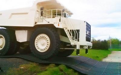 MaxiTrack 100 tonne truck