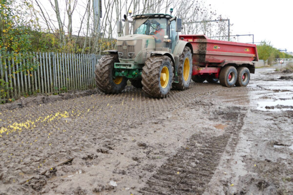 cleaning mud off tractor and trailer tyres