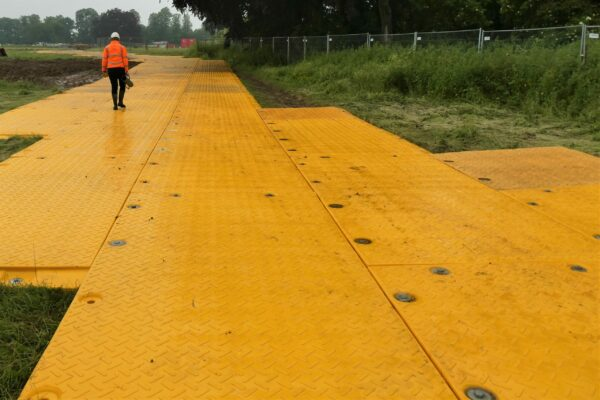 Heavy duty temporary roadway for remote access