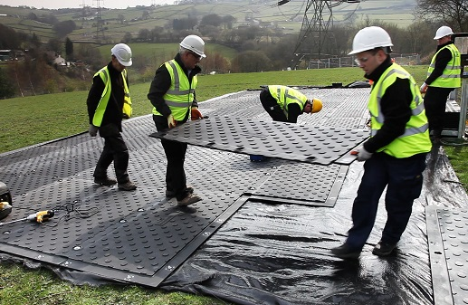 Lightweight easy to lift ground protection mats